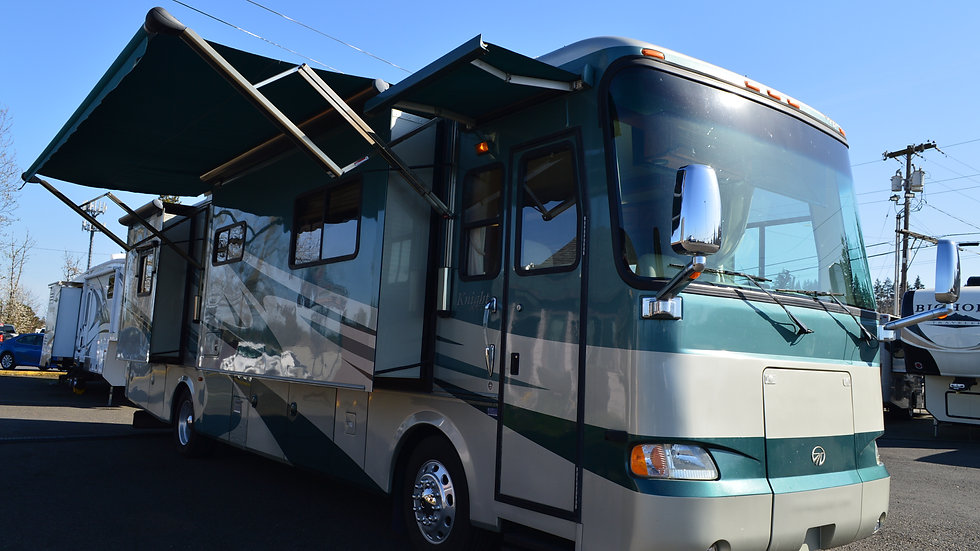 2006 Monaco Knight 38PDQ 38ft. Class A Diesel 4 Slides w/toppers