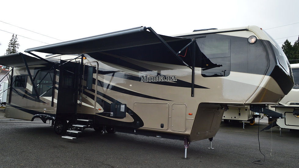 2016 Montana 3720RL 39ft. 5th Wheel 3 Slides