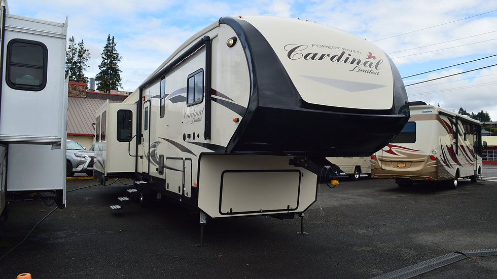 2019 Cardinal 3780 40ft 5th Wheel 4 Slides (PRESS CLICK FOR VIRTUAL TOUR)