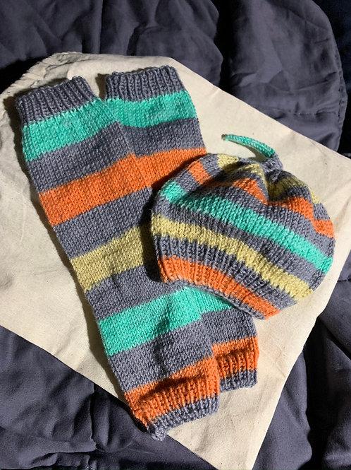 Newborn hat and leg warmers set