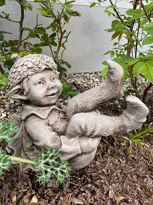 Acorn; Elf purzelnd; Galarosa; Schaugarten; Skulpturengarten; Vidroflor; Steinguss; Fiona Scott; Pheebert's; kleiner Baumelf