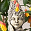 Blumenkind Flieder; Zauberblume; Betonguss; Steinguss; frostfest; 19-90049; Gartenfigur; Blütenkopf mit Gesicht; für Stab