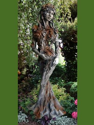 Königin der Natur; Ada; Rosteffekt; Steinguss; Vidroflor; Rosenfrau; 118600R; Galarosa; Skulptur; Gartenfigur; Baumfigur