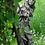 Waldbewohnerin versteckt; Brünhild; Vidroflor; Steinguss; 114507; Waldfigur; Gartenfigur; Galarosa; Feenreich