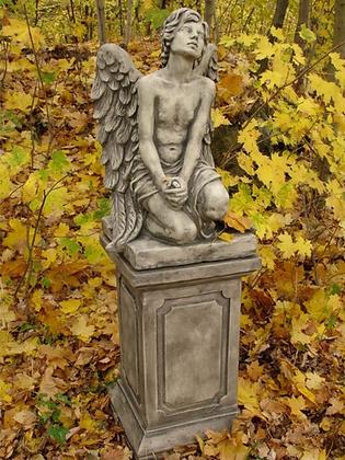Engel Barbiel; Engel nachdenklich; Steinguss; Vidroflor; Antik; 8084; Gartenfigur; Grabengel; Grabfigur; betend; Säule