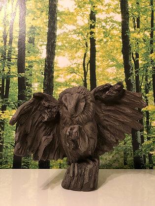 Galarosa; Vidroflor; Wesen der Lüfte; kleine Eule; dunkler Steinguss; Gartendekoration; Skulptur; Waldvogel; 121008