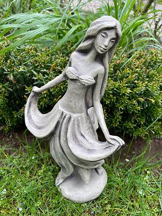 Blütentänzerin Fuchsie; Zauberblume; Galarosa; Skulpturengarten; Schaugarten; Steinguss; Betonguss; Ausstellung; Gartenfigur
