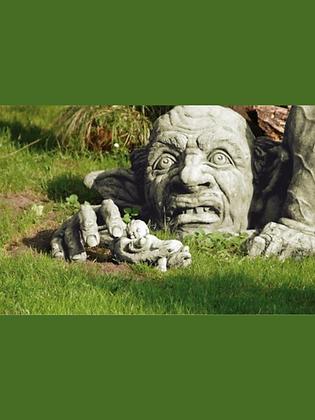 Troll Carlos; groß; incl. Hand; Steinguss; Antik; grau; Vidroflor; 8089; inkl. Hand; Gartenfigur; Gartenskulptur; Gartentroll