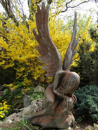 Engel Serafina; Rosteffekt; Steinguss; Vidroflor; 118102R; 118102; Gartenfigur; Skulptur; Engel mit Flügeln; Galarosa