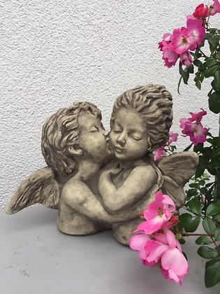 Büste; Der erste Kuss; Engel; 114501; Vidroflor; Steinguss; Antik; Galarosa; Gartendeko; Topfdeko; Stuhldeko; Tischdeko