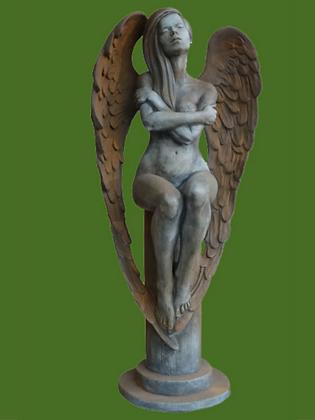 Engel Eloa; Rosteffekt; Vidroflor; Steinguss; Gartenfigur; Schutzengel; 116300R; 116300; Engel auf Säule