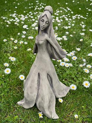 Blütentänzerin Magnolie; Zauberblume; Galarosa; Steinguss; Betonguss; frostfest; für Metallstab; 19-92005; Gartenfigur; Deko