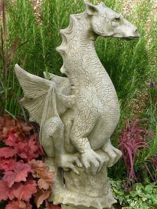 Drache Halvard; Fiona Scott; Vidroflor; PGS053; Steinguss; grau; Antik; Fantasiefigur; Gartenfigur