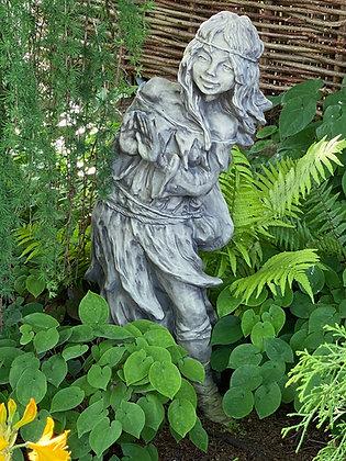 Waldbewohnerin Brünhild, versteckt - Farbe Antik