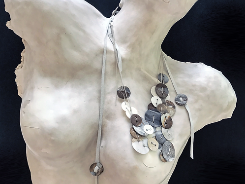 PORCELAIN BUTTONS NECKLACE