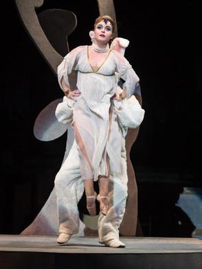 Viva la Mamma (Human Artist Photography for Oberlin Conservatory Opera)
