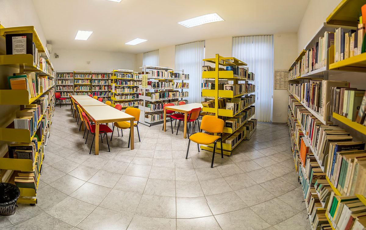"""Biblioteca Comunale """"Universo"""""""