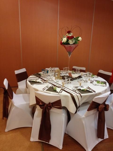 table d'honneur décoration florale dans vase martini