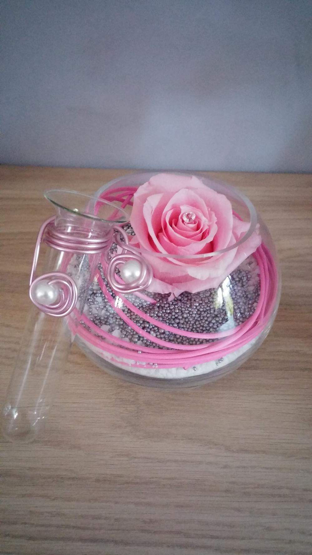 vase boule rose