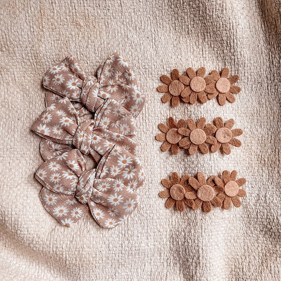 Barrettes fleurs beige