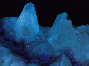 Fluorescent And Phosphorescent Thernardite from Soda Lake, California