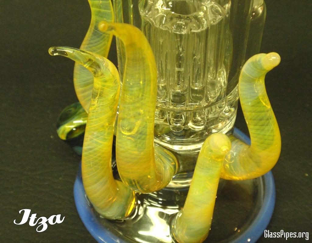 Itza Glass