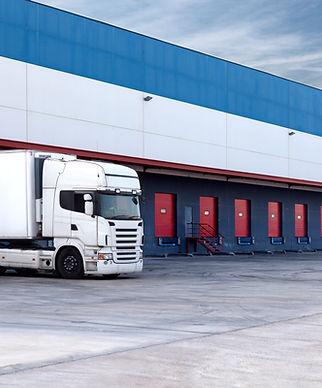Caminhão e armazém