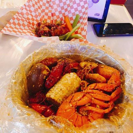 Supreme Lobster Bucket