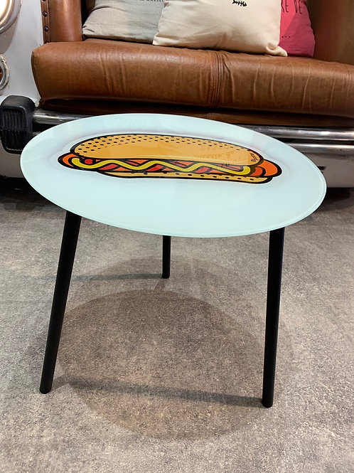 Table hot dog