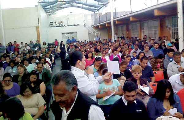 Llevan Arteterapia a padres de familia de instituciones educativas de Lerdo