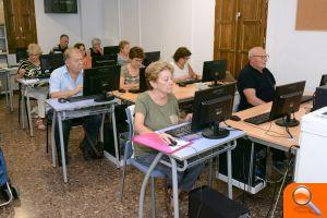 Paiporta ofrece una nueva edición de los Talleres para el Envejecimiento Activo con el doble de ofer