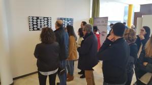 Inauguración de una exposición sobre arteterapia.