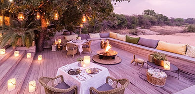 ThornyBush-Game-Lodge-Sunset-Deck-2500px