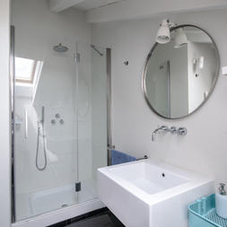 bathroom 076 copy.JPG
