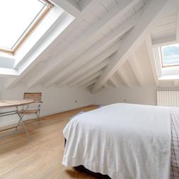 bedroom 081 copy.JPG