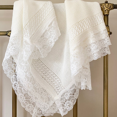 Lace edged Blanket in Ivory