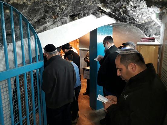 מועצה דתית כרמיאל - סיור מתפללים לקברי צדיקים