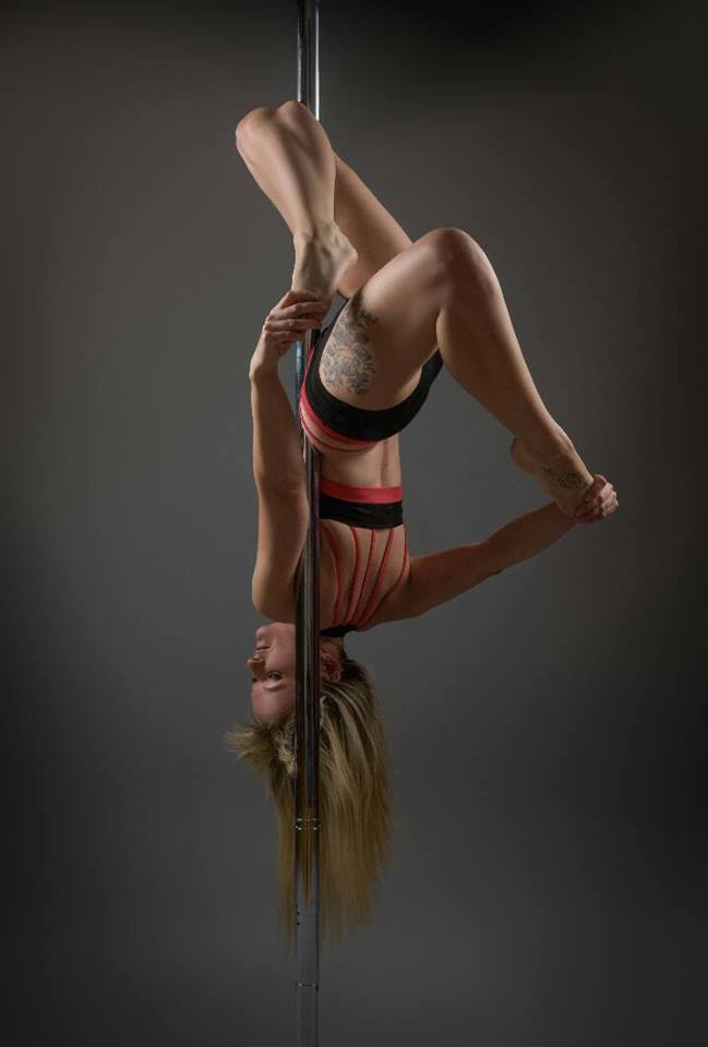 Kelly Performs Gemini at a recent photo shoot hooking her left leg. Photo Credit - The Image Cellar