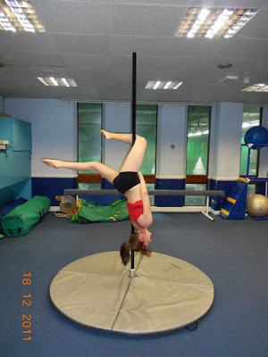 Kelly performing her first Gemini for the camera at Pole Passion Bognor - Inspire Leisure  (the pre-renovated studio)