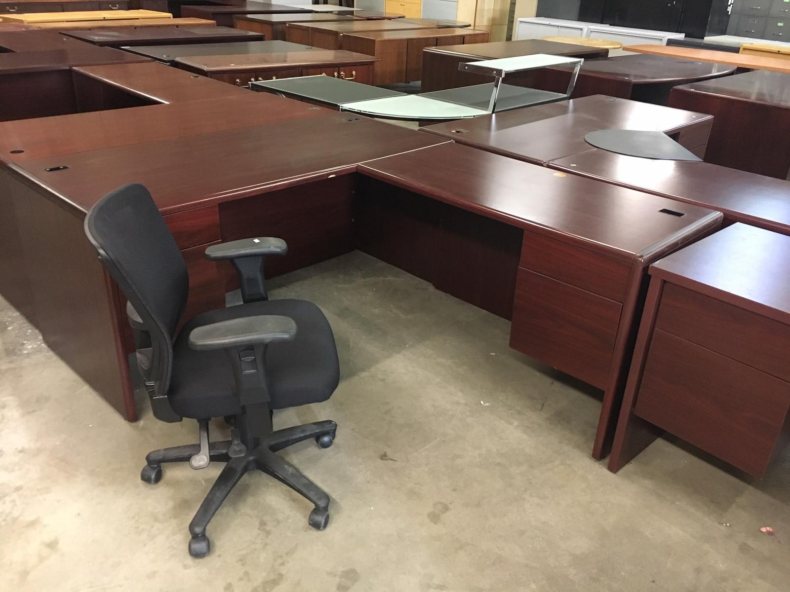 officefurnituresouth pre owned desks. Black Bedroom Furniture Sets. Home Design Ideas