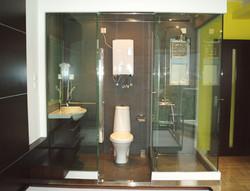 開放式玻璃浴室