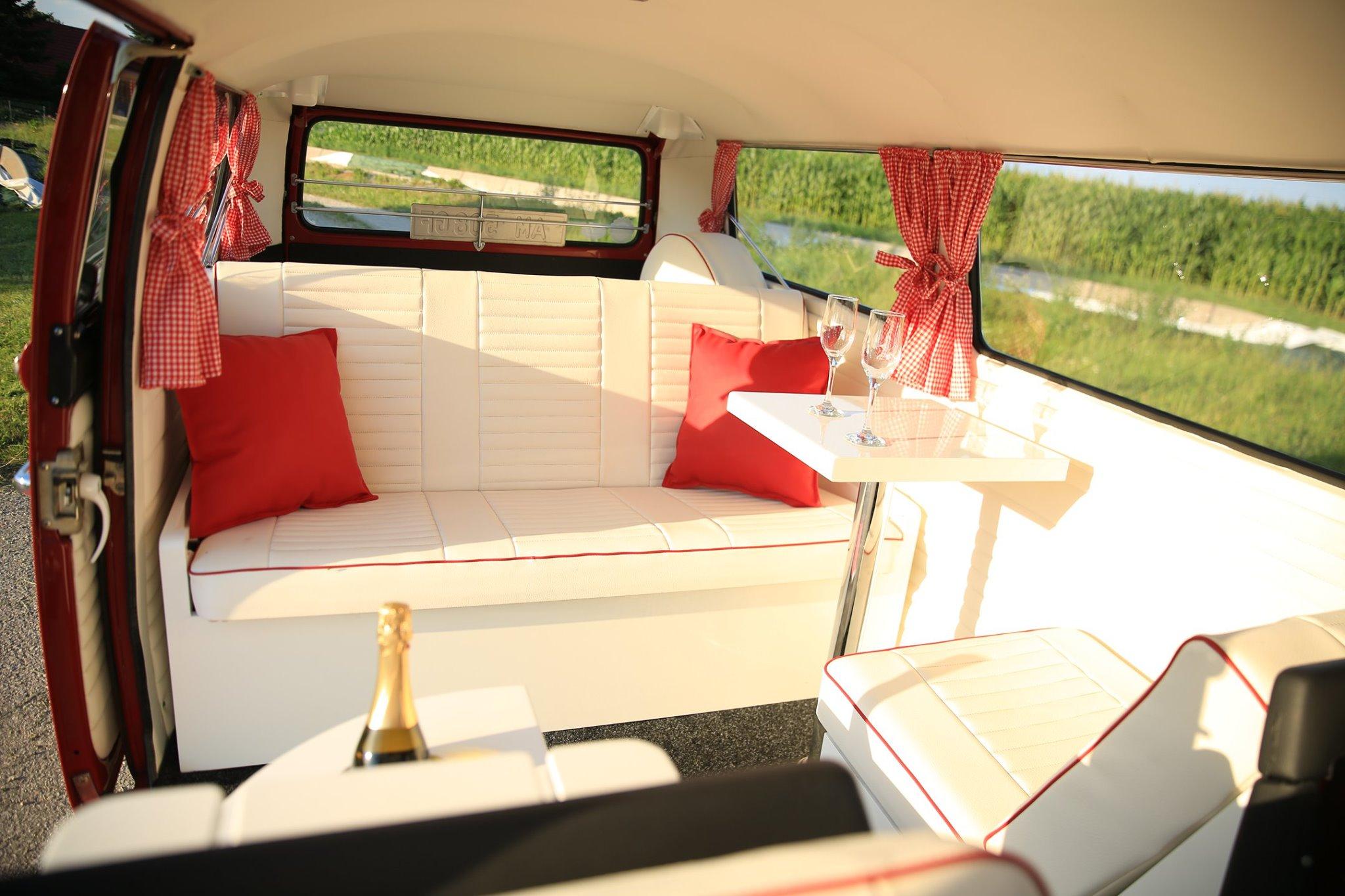 Retrobus-Hochzeitsbulli-VW-Bus-Oldtimerb