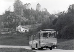 Retrobus-Oldtimerbus-Steyr-SL12-mieten (