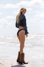 MadelineMarthinson_Beach2020-0054-Edit.j