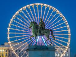 place-bellecour-famous-statue-of-king-lo