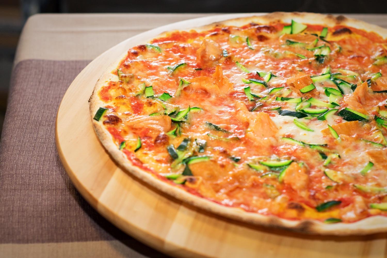 pizza salmone zucchine