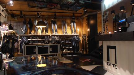 GATE: ristrutturazione ed allestimento negozio di abbigliamento