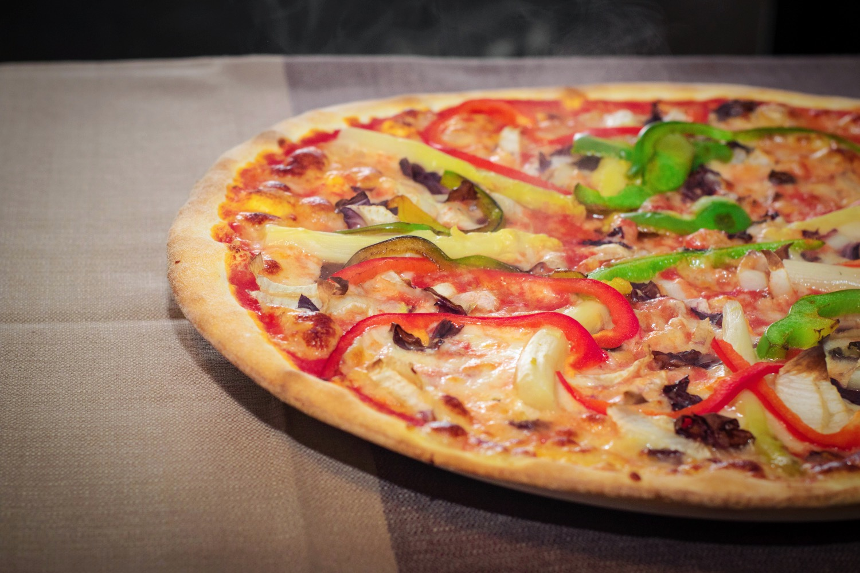 pizza vegetariana peperoni asparagi