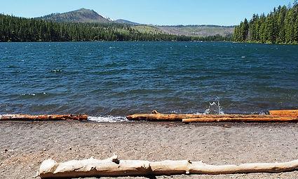 8824_Hgj7K_Suttle_Lake_Oregon_lg.jpg
