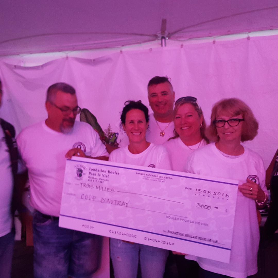 $3000 remis a la Coop D'Autray